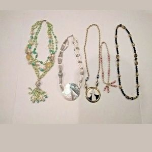 Costume Jewelry Necklaces Unsearched Lot 5